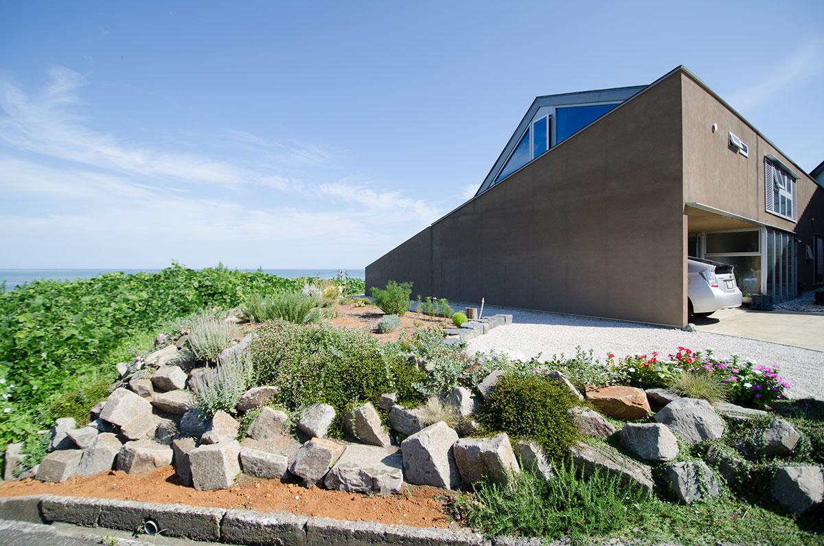 海の見える庭